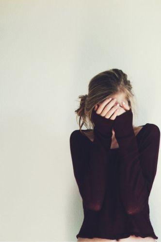 pode ser tímida, ou fingir, não tem problema não