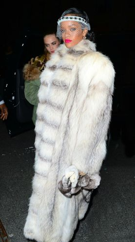 rihanna-arrives-at-the-40-40-club-in-new-york-4 (1)