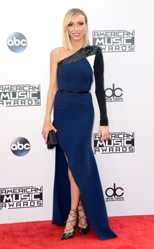 rs_634x1024-141123145740-634.giuliana-american-music-awards-2014