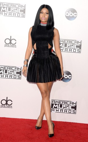 rs_634x1024-141123165513-634.NickiMinaj-AMA-jmd-112314