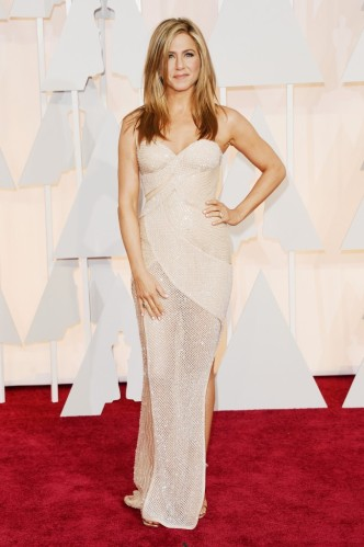 Jennifer-Aniston-680x1024