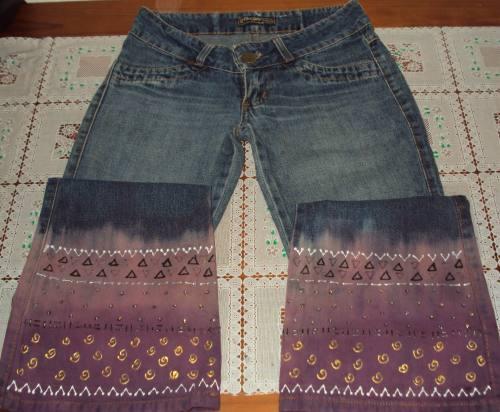 calca-jeans-boca-de-sino-pintada-a-mao-calca-jeans