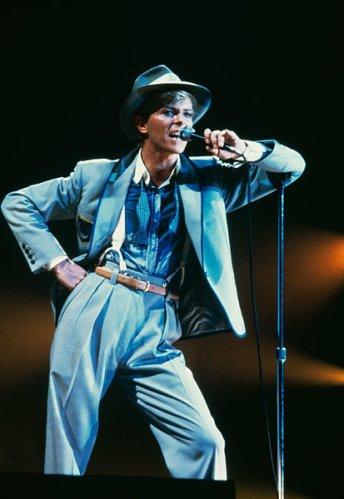 1jan1983-david-bowie-fashion-evolution-600