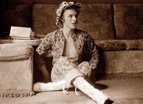 24apr1972-david-bowie-fashion-evolution-600