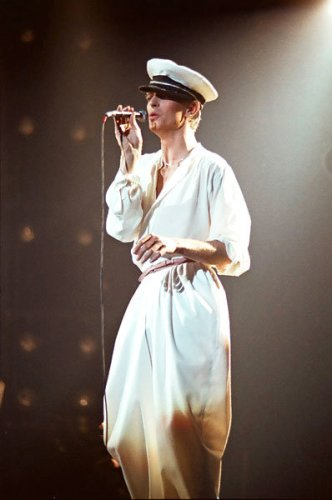 28aug1978-david-bowie-fashion-evolution-600