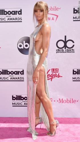 160522195019-14-billboard-music-awards-red-carpet-super-916