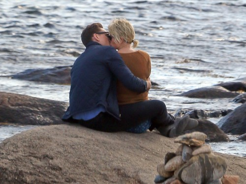 Taylor Swift was spotted with new love interest, British actor Tom Hiddleston. The two were spotted canoodling on the rocks along the beach in Westerly, RI. In between kissing the two posed for many selfies. Hiddleston, almost 10 years older than Swift, wrapped her in his jacket. The couple walked off the beach holding hands. Photo Location: Westerly RI--Public Beach Captured 9/13/16 sales@theimagedirect.com Please byline:TheImageDirect.com *EXCLUSIVE PLEASE EMAIL sales@theimagedirect.com FOR FEES BEFORE USE